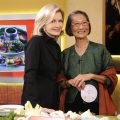 "GOOD MORNING AMERICA - Chef and author of ""The Elements of Life,"" Su-Mei Yu shows some Thai recipes on GOOD MORNING AMERICA, taped on 10/19/09, airing on the ABC Television Network.  GM09  (ABC/Ida Mae Astute) DIANE SAWYER, SU-MEI YU"